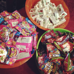 Check Out This Cute Assortment of Goodies I Gave Out For Trunk Or Treat #Halloween