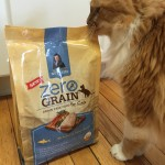 Charlie Checks Out Rachael Ray Nutrish  #NutrishZeroGrain @Nutrish