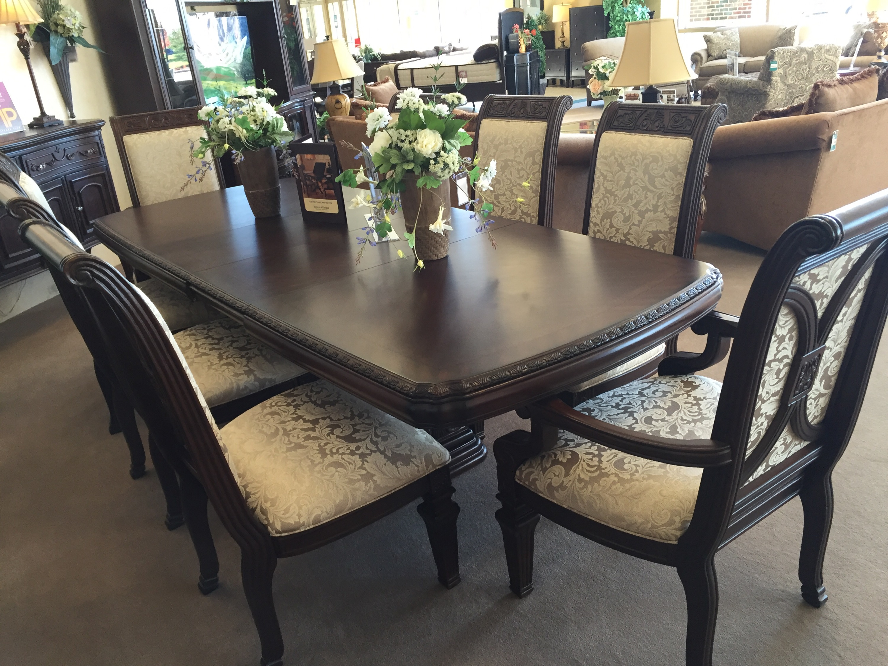 Shopping For My New Dining Room At Raymour U0026 Flanigan #RFBloggers | Mommies  With Style