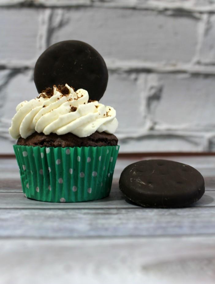 Thin-Mint-Cupcake-3-702x930